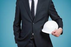 Инженер с белым шлемом стоковая фотография rf