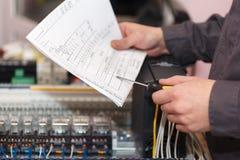 Инженер электрических и автоматизации стоковое фото rf