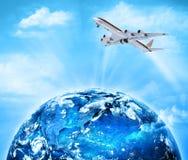 линия горизонта земли 3d представила космос серия интернета руки самого лучшего глобуса принципиальных схем принципиальной схемы  Стоковые Изображения