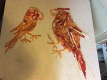 2 длиннохвостого попугая - Vegetable искусство потехи Стоковое фото RF