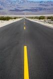 длинный путь пустыни Стоковые Изображения RF