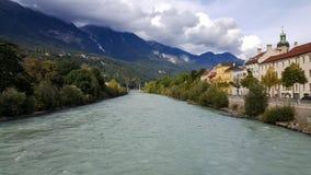 Инсбрук, Tirol/Австрия - 18-ое сентября 2017: Взгляд на реке гостиницы стоковое фото