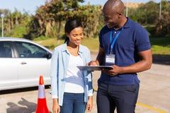 Инструктор водителя учащийся стоковые изображения rf