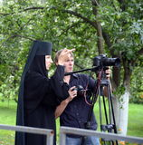 Инструкция для снимать во время шествия в монастыре Vvedensky Tolga стоковое фото