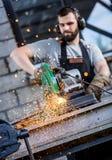 Инструментальный металл промышленного работника стоковые фотографии rf