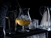 Инструменты бармена на клубе стоковые фотографии rf