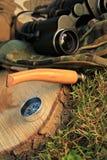 инструменты выживания лагеря напольные стоковое изображение rf