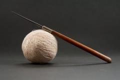 инструменты вязания крючком стоковое изображение rf