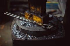 Инструменты в кузнице стоковые изображения rf