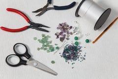 Инструменты для делать отбортовывают дома стоковое фото rf