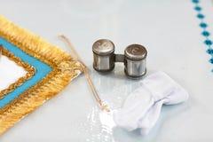 Инструменты для крещения младенца Католицизм, концепция христианства стоковая фотография