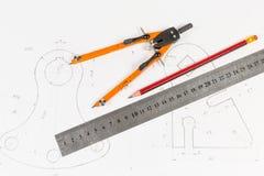 Инструменты для draftsmanship на тренируя чертеже стоковые изображения rf