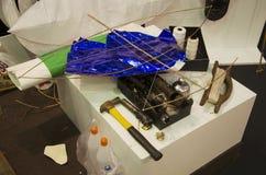 Инструменты и делать и строение материалов звездообразный змей или тайский na стоковая фотография rf
