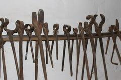 Инструменты кузнеца стоковая фотография