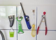 Инструменты кухни крытые стоковое изображение rf