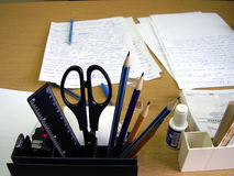 инструменты офиса настольного компьютера Стоковая Фотография
