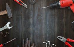 Инструменты разнорабочего для домашних ремонтов взгляд сверху и открытый космос для текста стоковые изображения rf