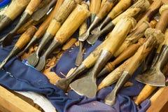 Инструменты для того чтобы высечь teak, Таиланд Стоковые Изображения