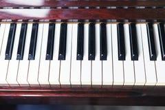 Инструмент джаза рояля музыкальный, конец вверх клавиатуры рояля Стоковое фото RF