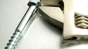 Инструмент и винты гаечного ключа акции видеоматериалы