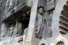 Интерес пещер Ajanta, вырезанных в скале буддийских памятников стоковое фото