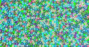 Интернет, много кость с социальным логотипом символа сети на стороне падая вниз на экран chroma ключевой зеленый и заполнить экра