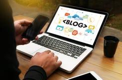 Интернет-страницы интернета вебсайта БЛОГА соединение n средств массовой информации онлайн социальное Стоковые Изображения