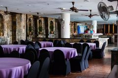 Интерьеры залы Dinning стоковые изображения rf