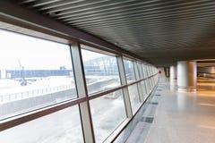 Интерьер авиапорта большое окно Стоковая Фотография