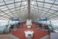 Интерьер авиапорта Шарль де Голль, Парижа Стоковое Изображение RF
