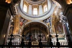 Интерьер базилики St Peter, Ватикан Стоковые Фотографии RF