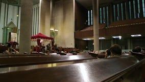 Интерьер большой синагоги de Ла Paix с людьми акции видеоматериалы
