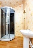 Интерьер ванной комнаты гостиницы страны Стоковые Изображения