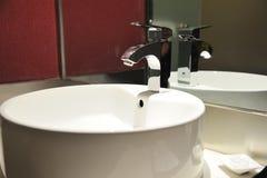 Интерьер ванной комнаты гостиницы Стоковые Изображения
