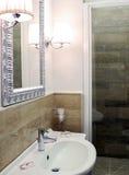 Интерьер ванной комнаты гостиницы Стоковое фото RF