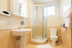 Интерьер ванной комнаты гостиницы Стоковое Фото