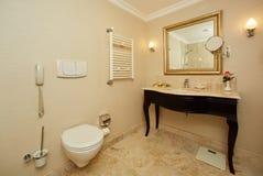 Интерьер ванной комнаты гостиницы Стоковое Изображение