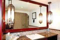 Интерьер ванной комнаты роскошной гостиницы Стоковая Фотография RF