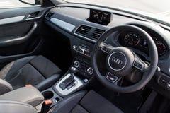 Интерьер варианта 2015 черноты Audi Q3 Стоковое Изображение