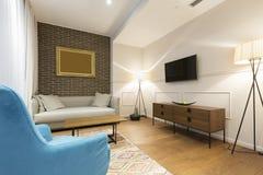 Интерьер живущей комнаты в современной квартире Стоковые Фотографии RF
