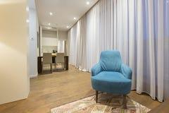 Интерьер живущей комнаты в современной квартире Стоковое Фото
