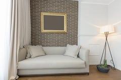 Интерьер живущей комнаты в современной квартире Стоковые Фото