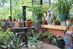 интерьер зеленой дома стоковое фото