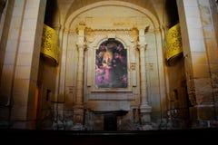 интерьер католической церкви стоковая фотография rf