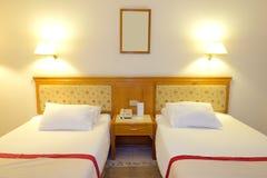 Интерьер квартиры в освещении ночи на роскошной гостинице Стоковое Фото