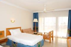 Интерьер квартиры с вентилятором в роскошной гостинице Стоковые Фото