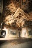 Интерьер комнаты в историческом доме Стоковое Фото