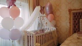 Интерьер комнаты для newborn акции видеоматериалы