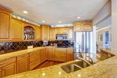 Интерьер комнаты кухни в современной квартире Стоковая Фотография