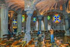 Интерьер крипты Guell, Catalunya, Испания стоковое изображение rf
